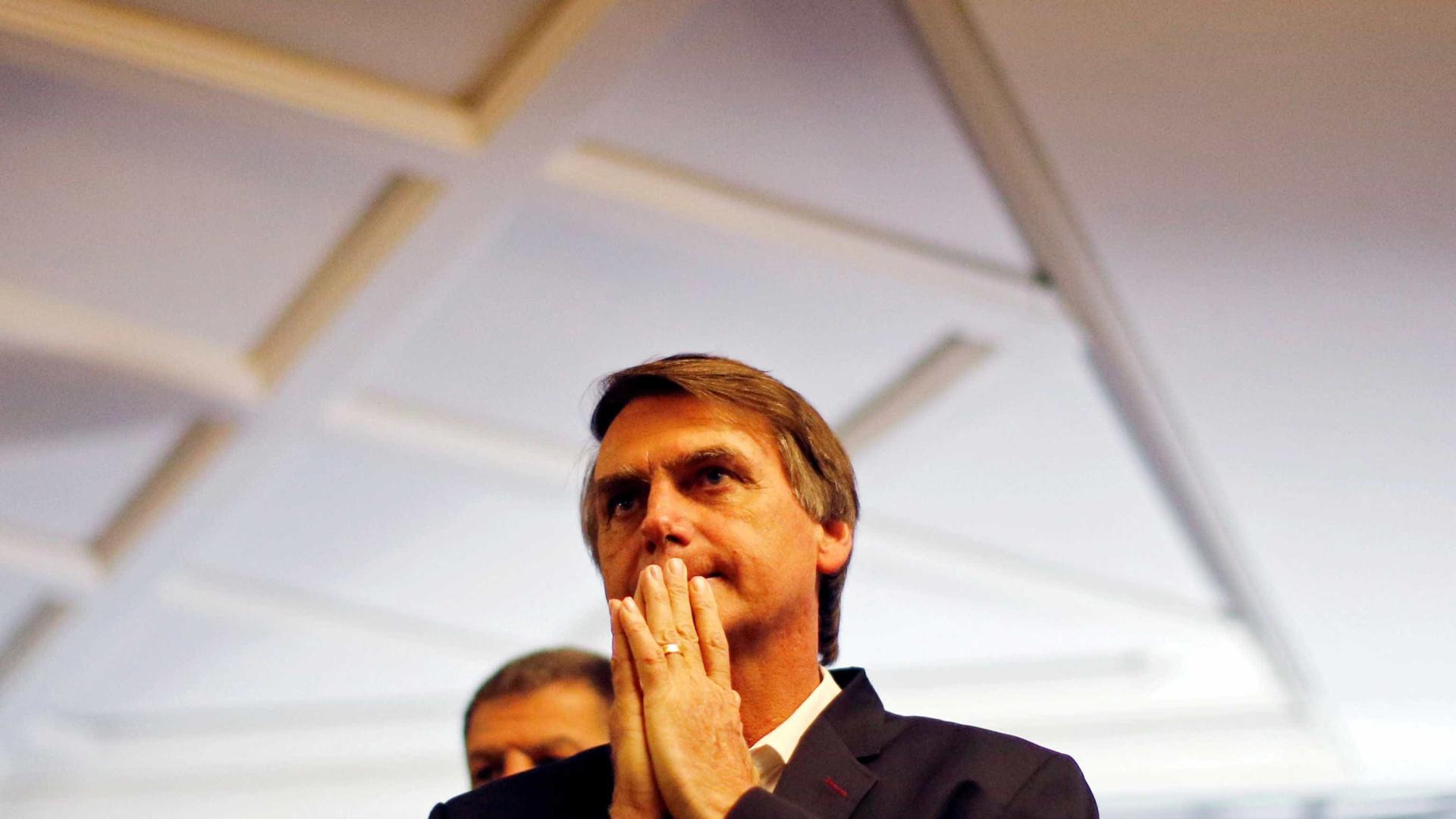 'Quadro é grave, mas ele está estável', diz médico que operou Bolsonaro