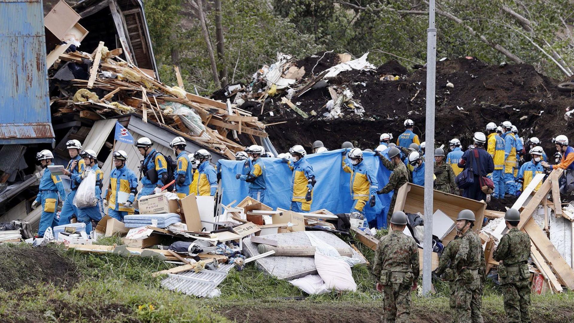 Sobe para 30 número de mortos após terremoto no Japão