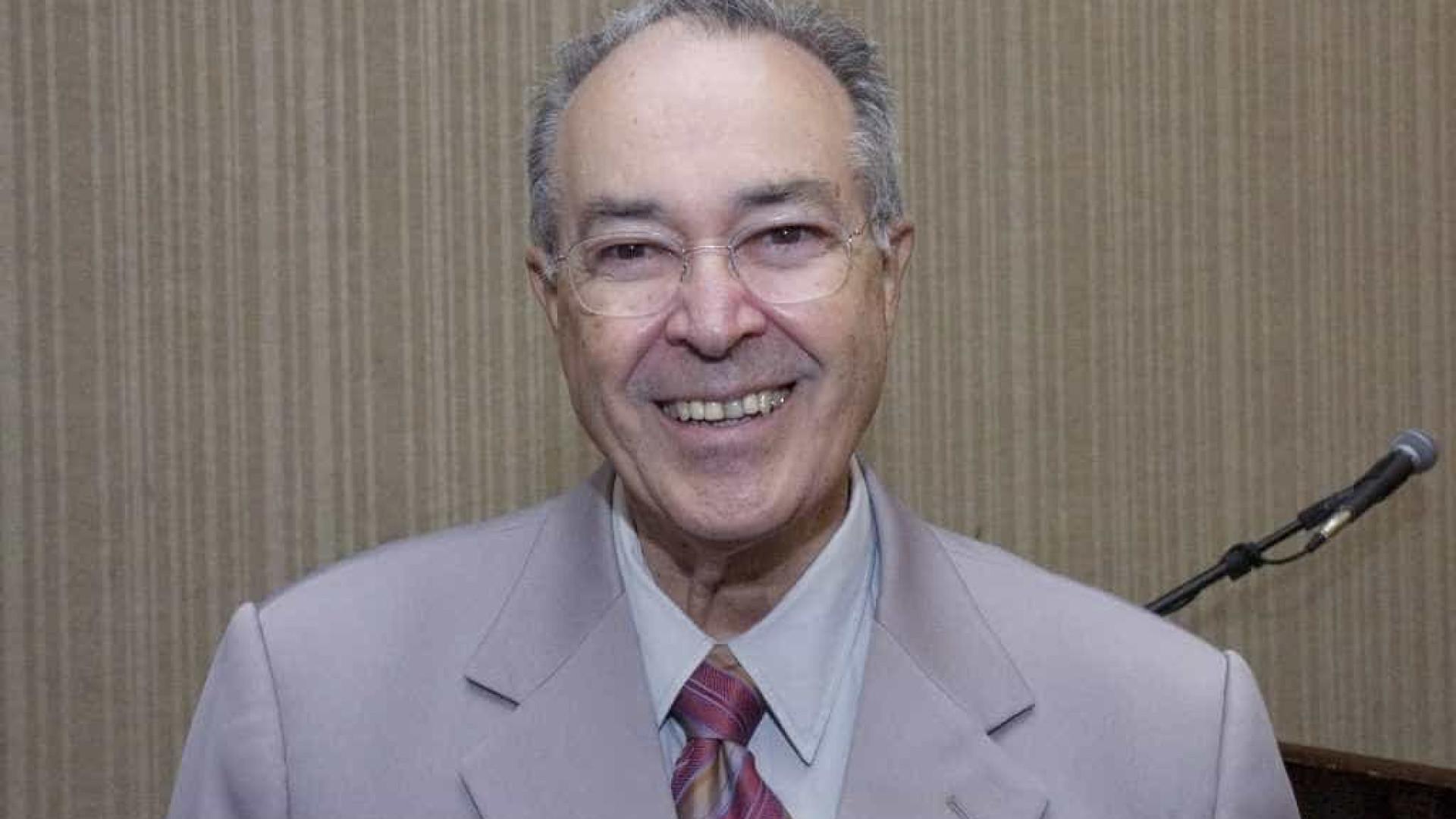 Morre aos 96 Warwick Kerr, brasileiro que ajudou a decifrar as abelhas