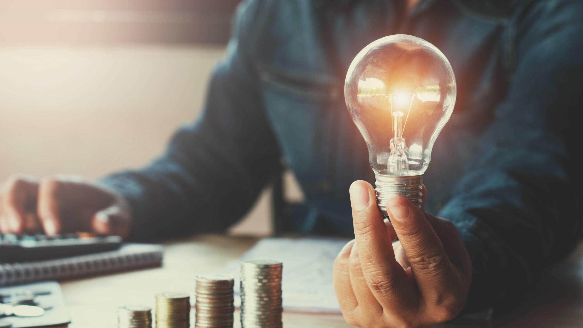 Conta de luz continua com tarifa mais alta em outubro