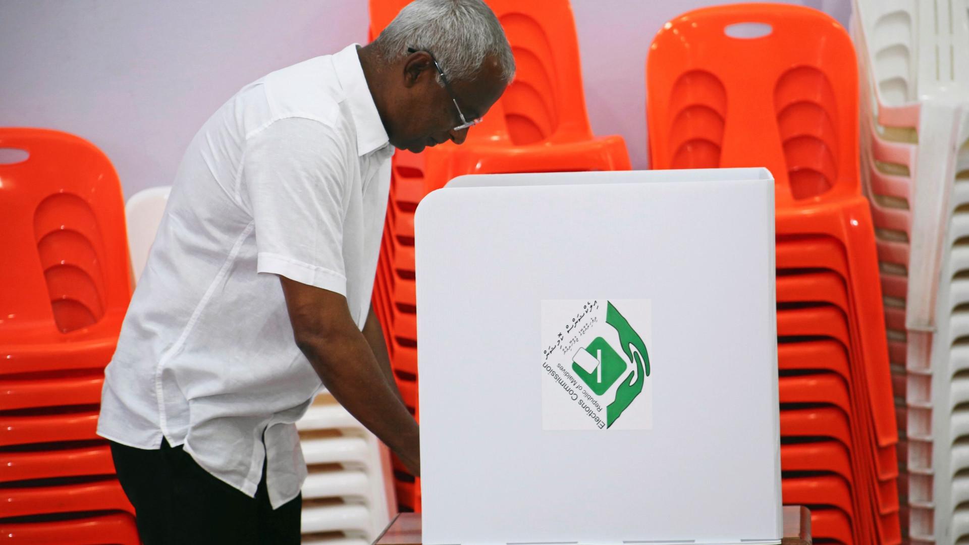 Mais de 260 mil eleitores vão às urnas nas Maldivas neste domingo