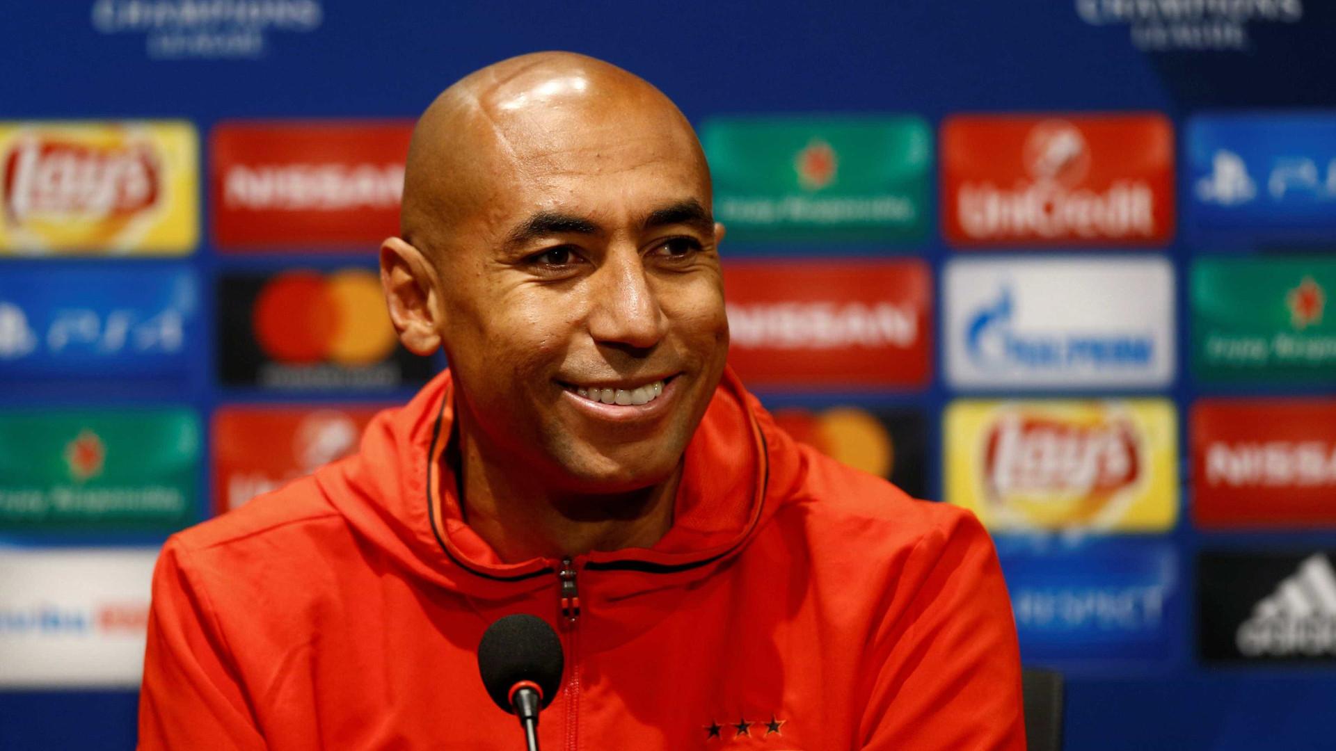 Luisão encerra carreira como jogador e diz: 'Obrigado, Benfica'