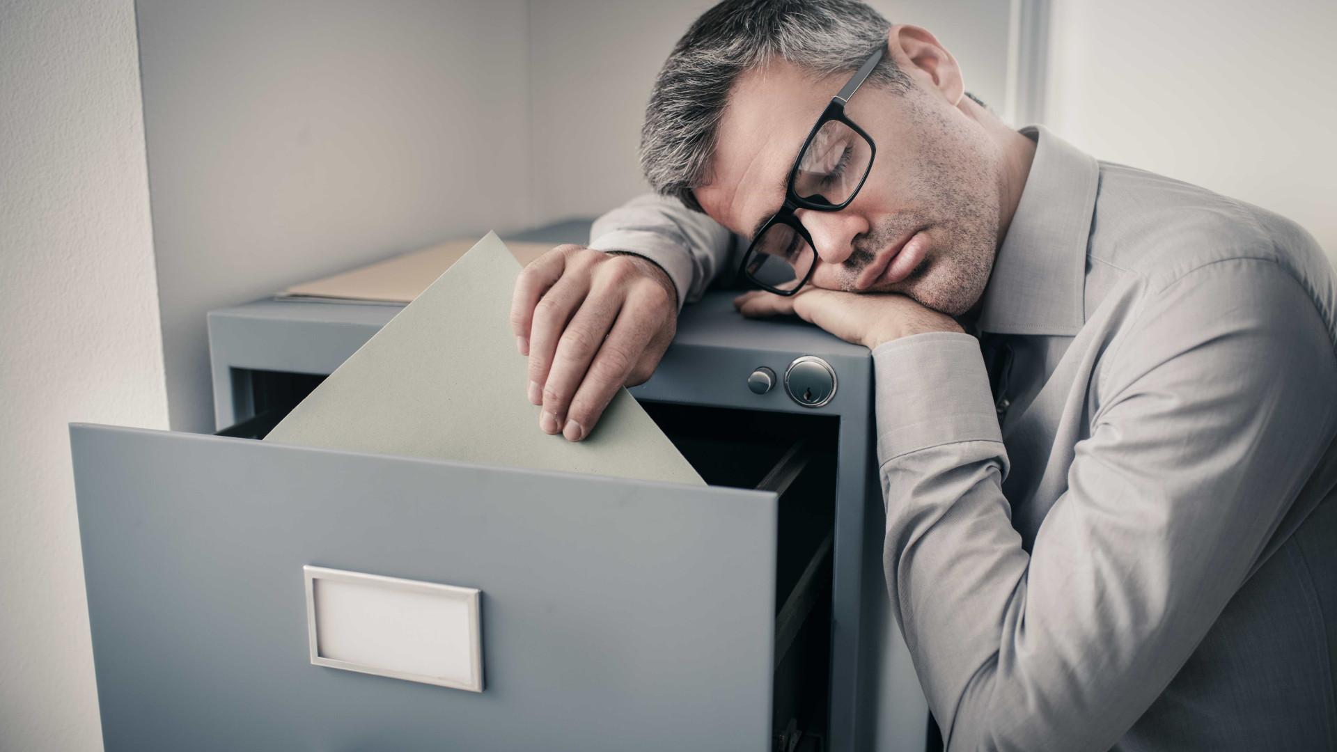 Ressaca do sono? Saiba o que é e como afeta o corpo