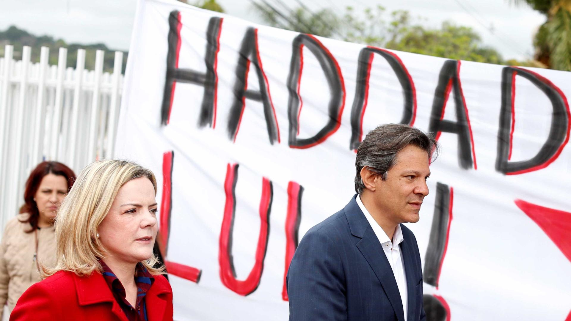 PT muda estratégia e parte para o ataque a Bolsonaro