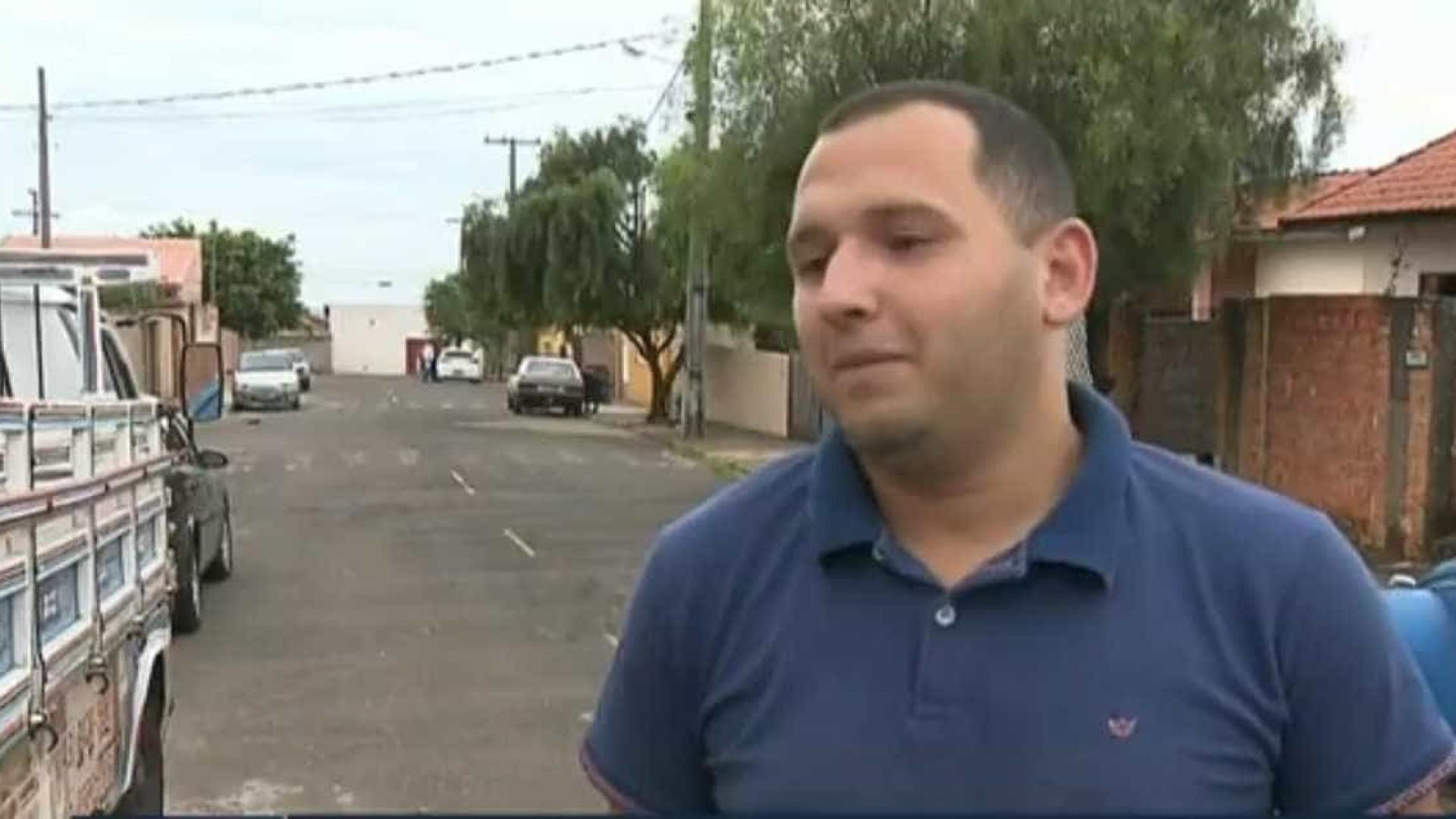 'Foi uma brincadeira', diz eleitor que apertou botões de urna com arma