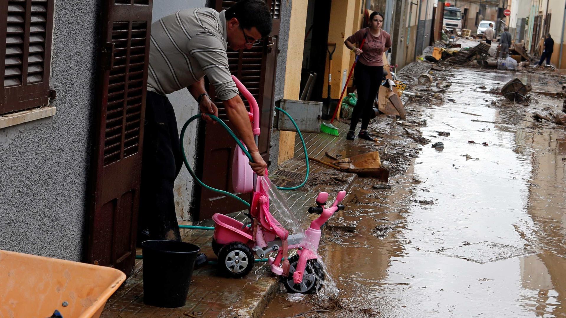 Tempestade mata 12 em ilha na Espanha; criança está desaparecida