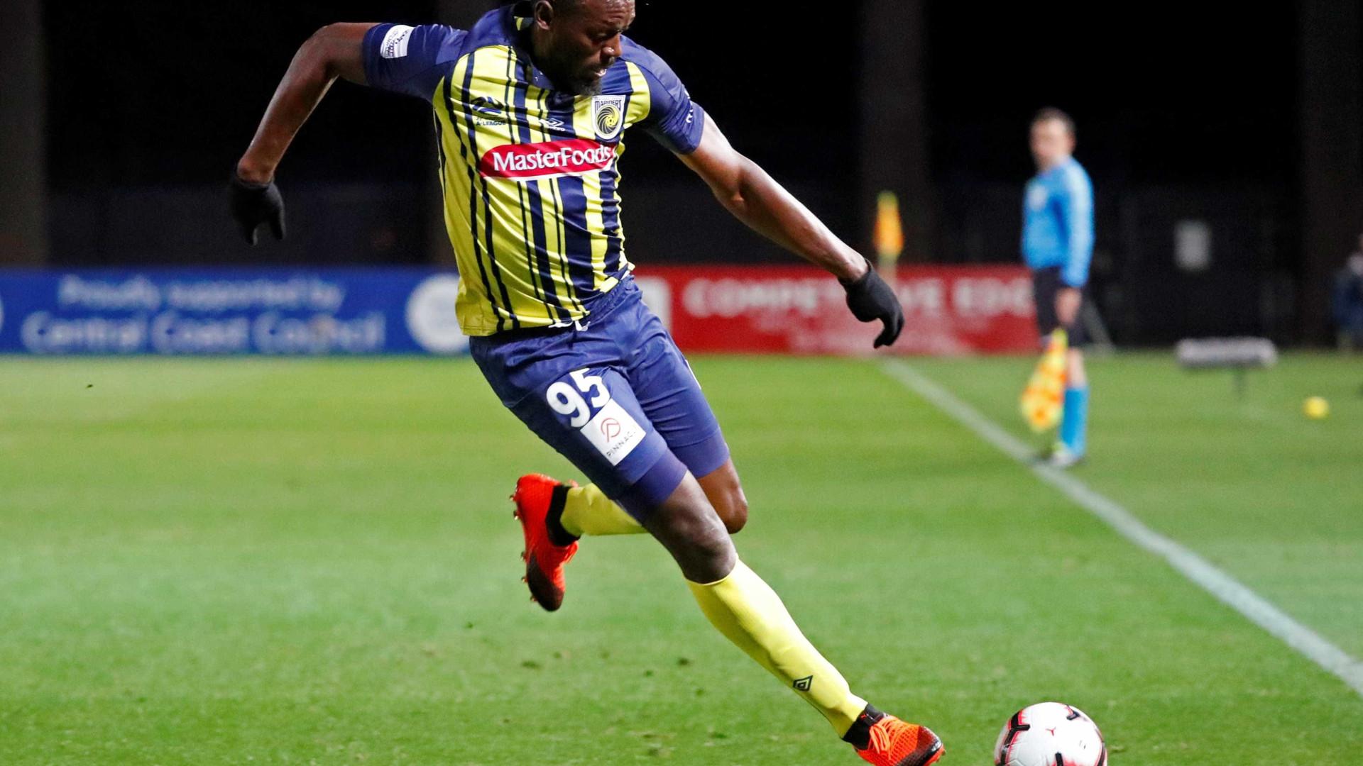 Usain Bolt marca dois gols em estreia como titular em time australiano