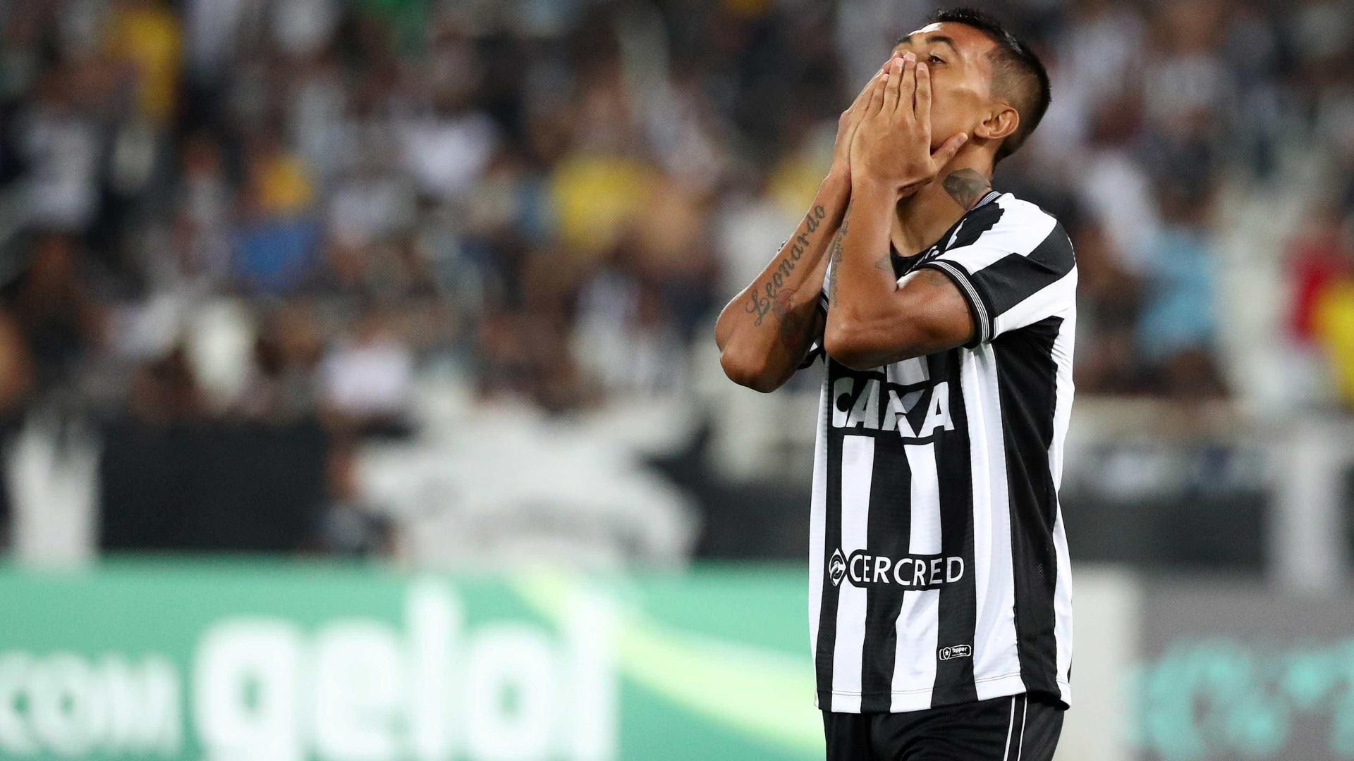 Ceará e Botafogo empatam e se embolam contra degola