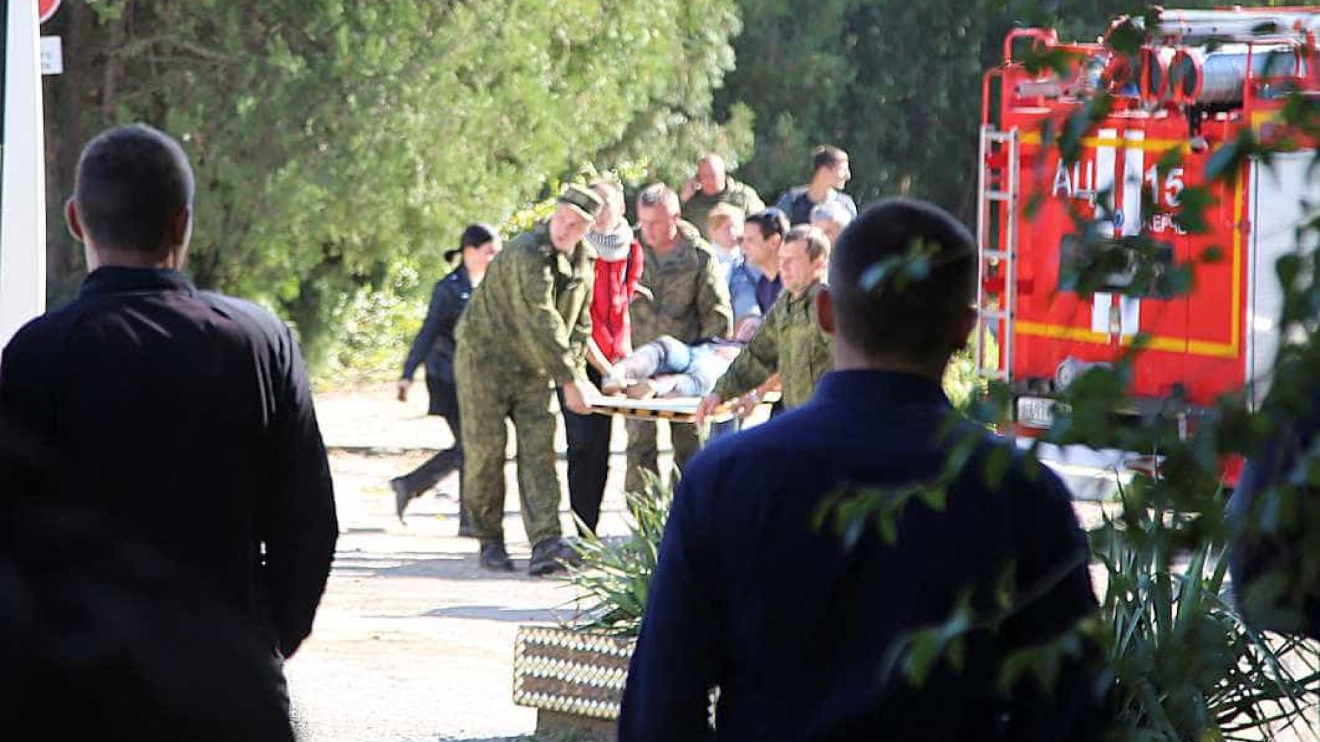 Vítimas de ataque em colégio na Crimeia morreram baleadas