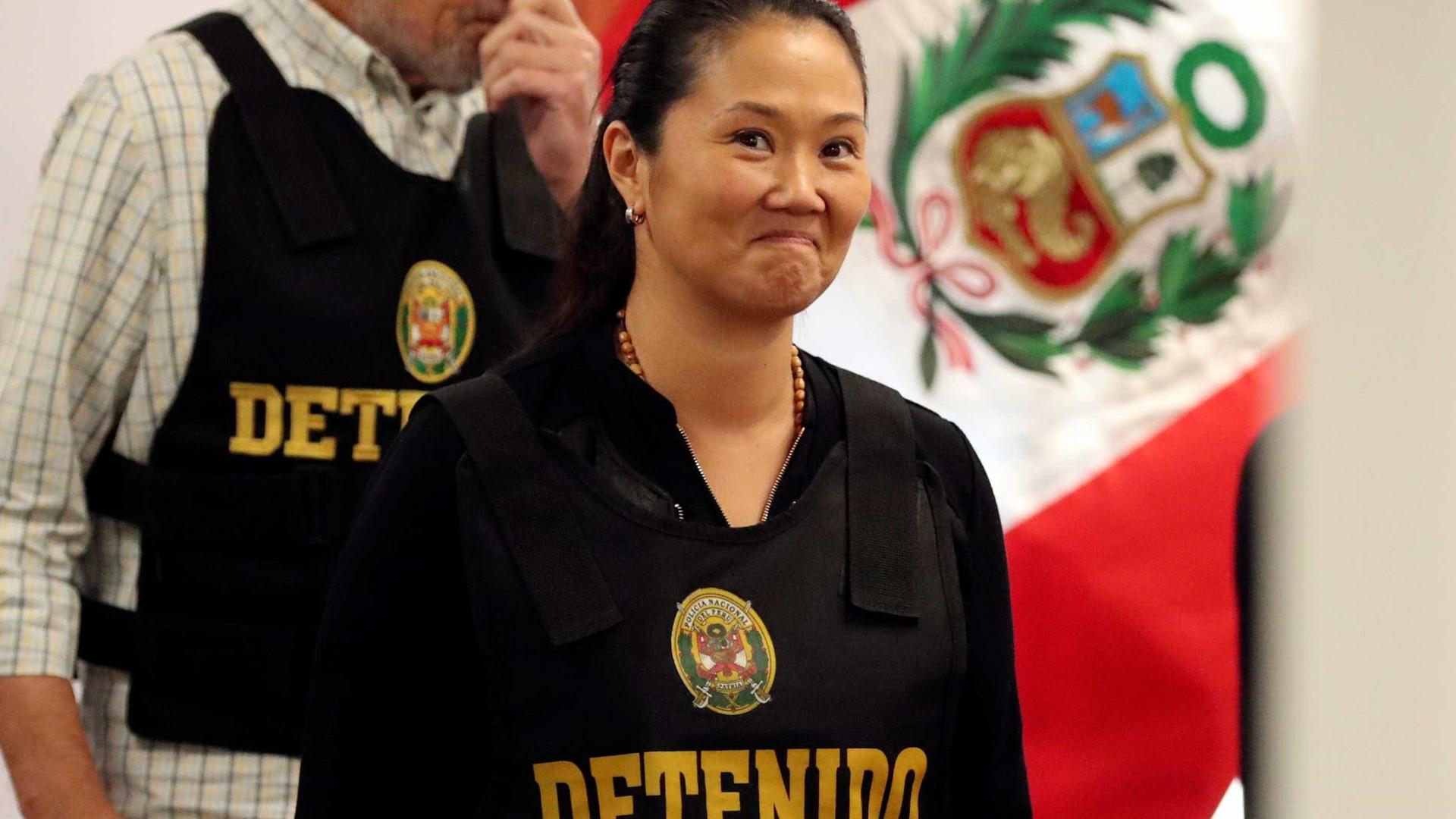 Justiça reverte prisão preventiva de Keiko Fujimori no caso Odebrecht