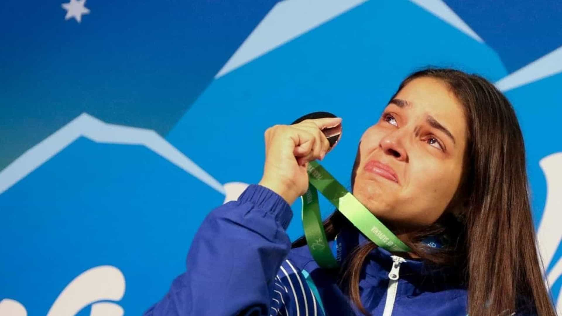 Pai de atleta morre ao saber de conquista inédita da filha em Mundial