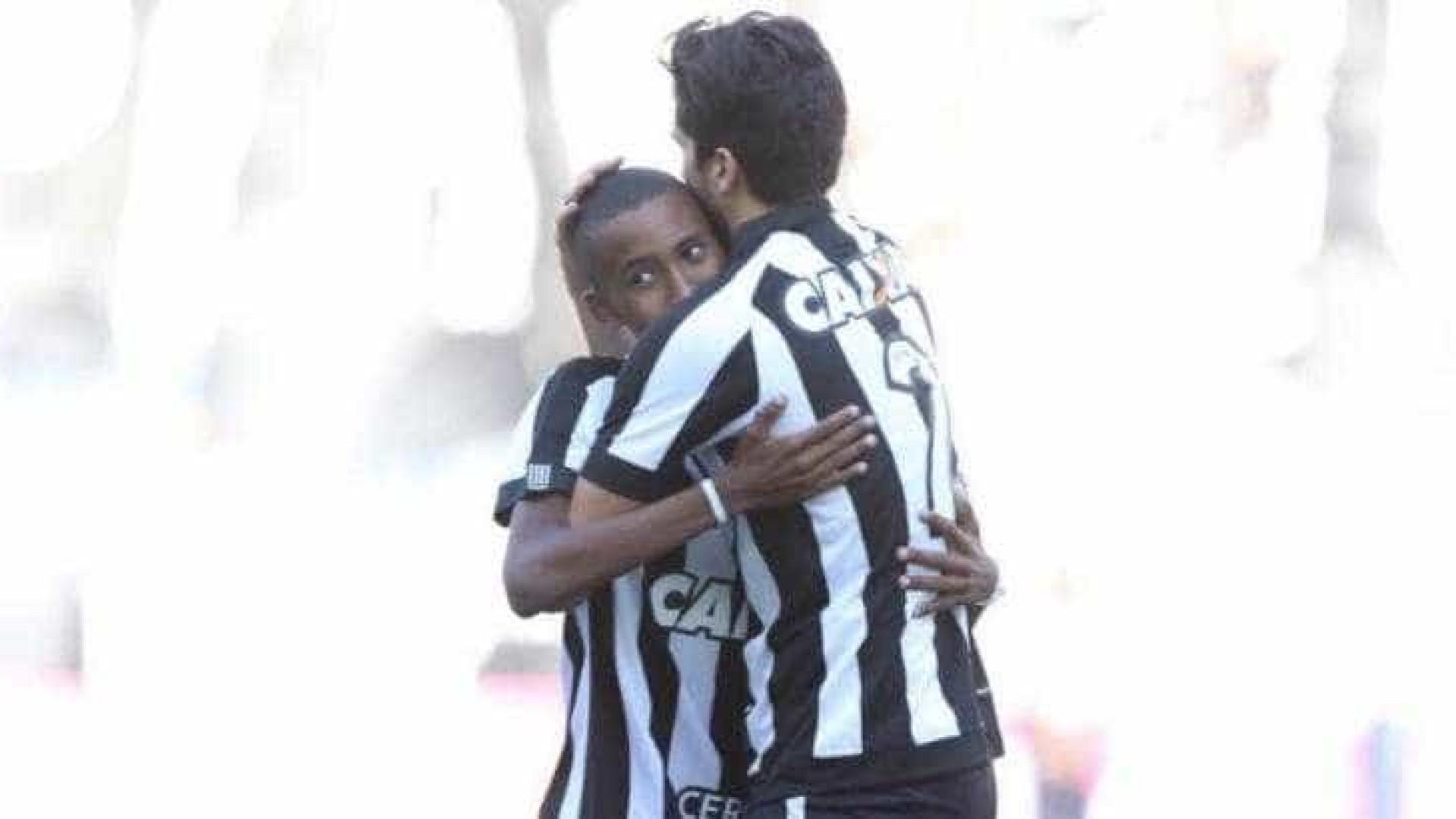 Jovem da base do Botafogo morre aos 15 anos, vítima de câncer