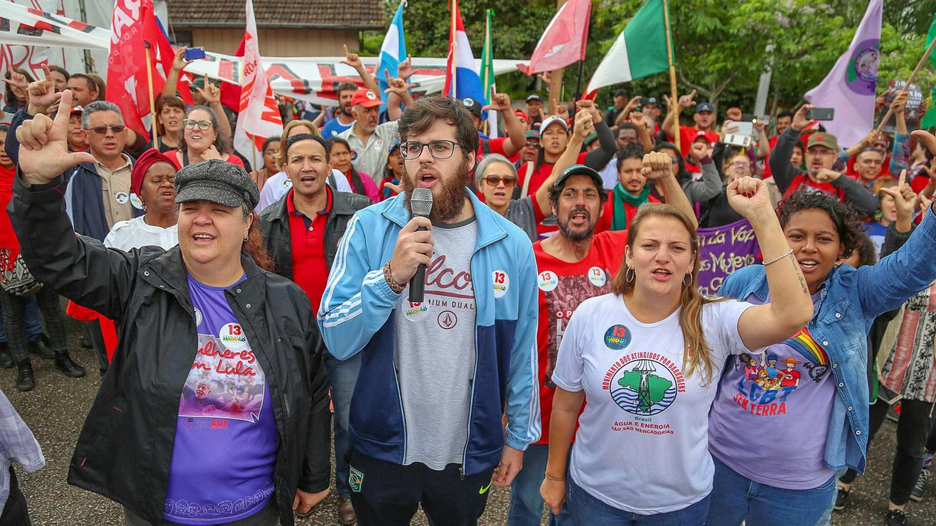 Acampamento pró-Lula é desmontado em Curitiba, mas vigília permanece