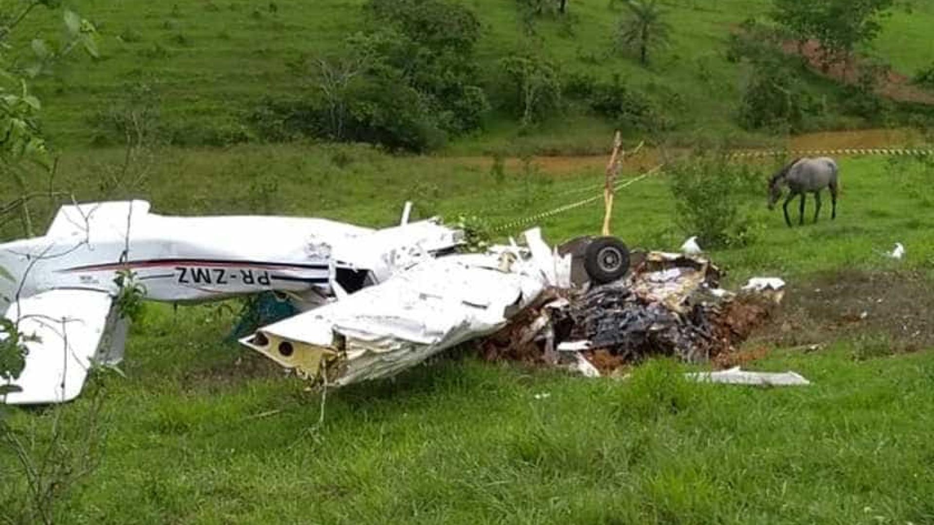 Casal e três filhos morrem em queda de avião em Minas Gerais