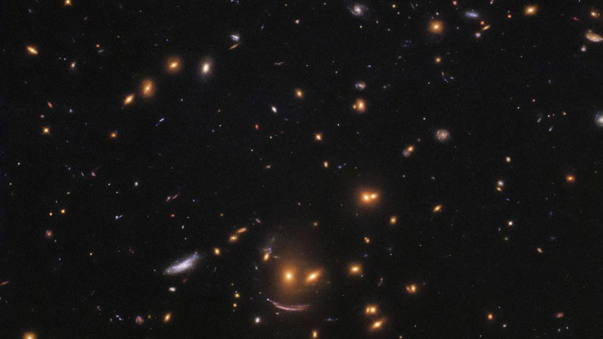 NASA encontra 'rosto amigável' enquanto procura estrelas recém-nascidas