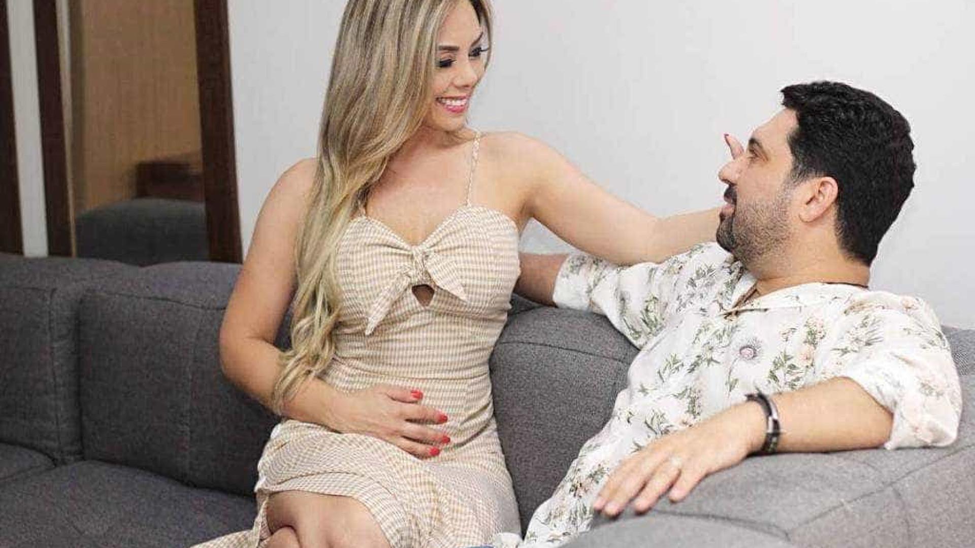Edson e Deia Cypri anunciam gravidez após tratamento