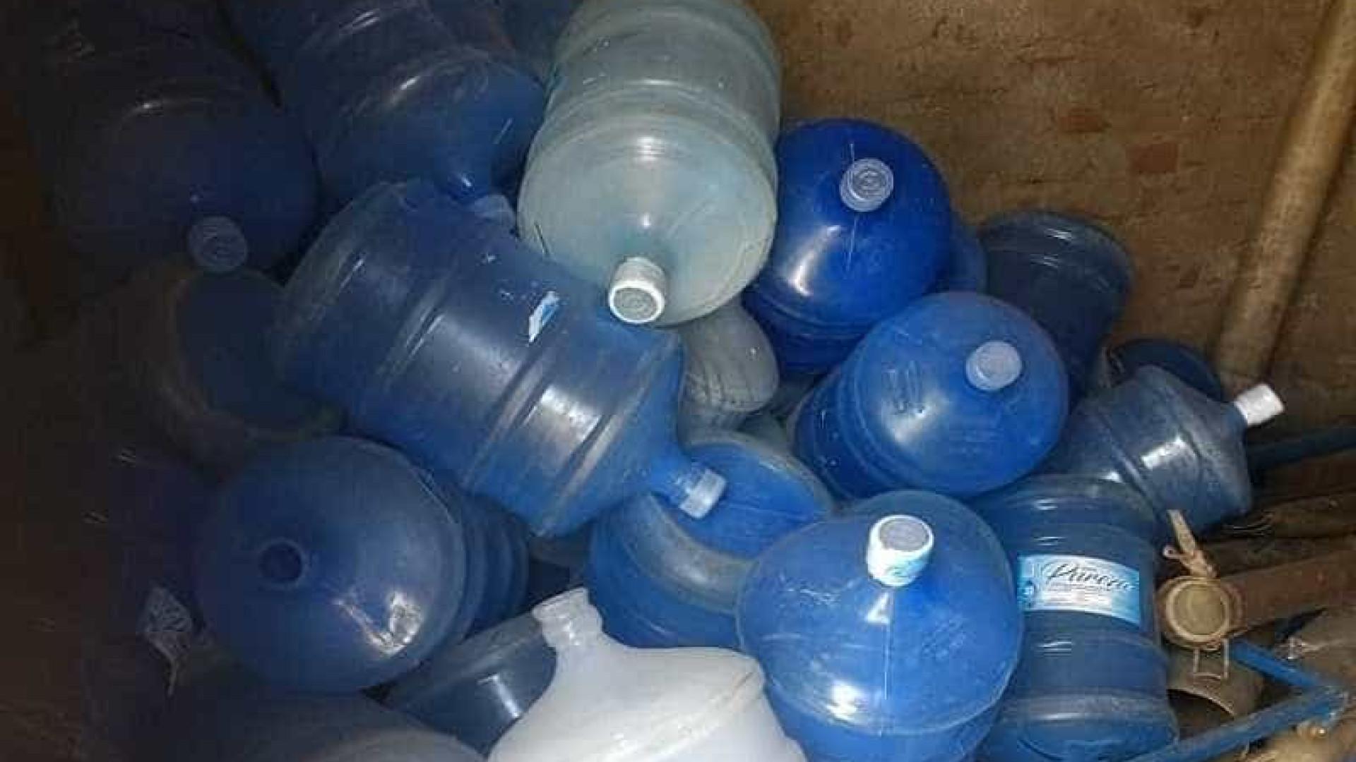 Operação fecha sete fábricas de 'água mineral' na Paraíba