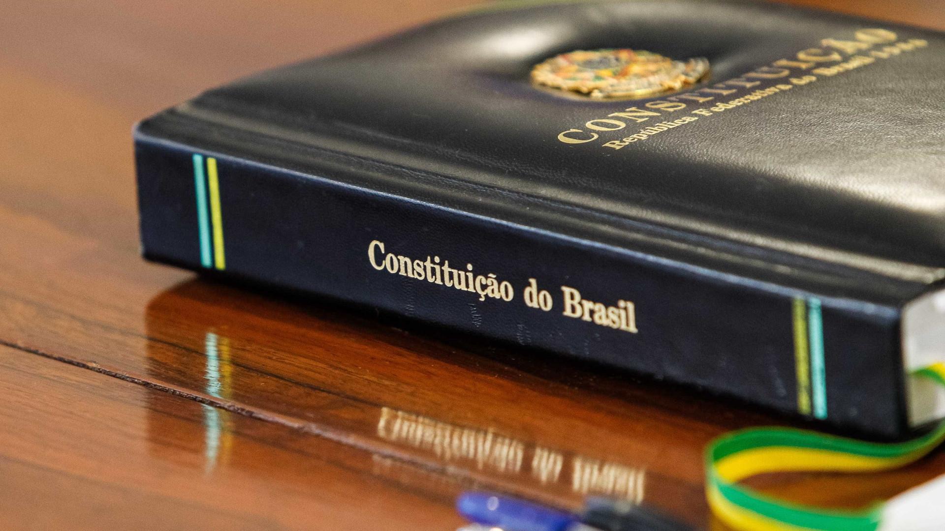 Eunício define horário do juramento da Constituição por Bolsonaro