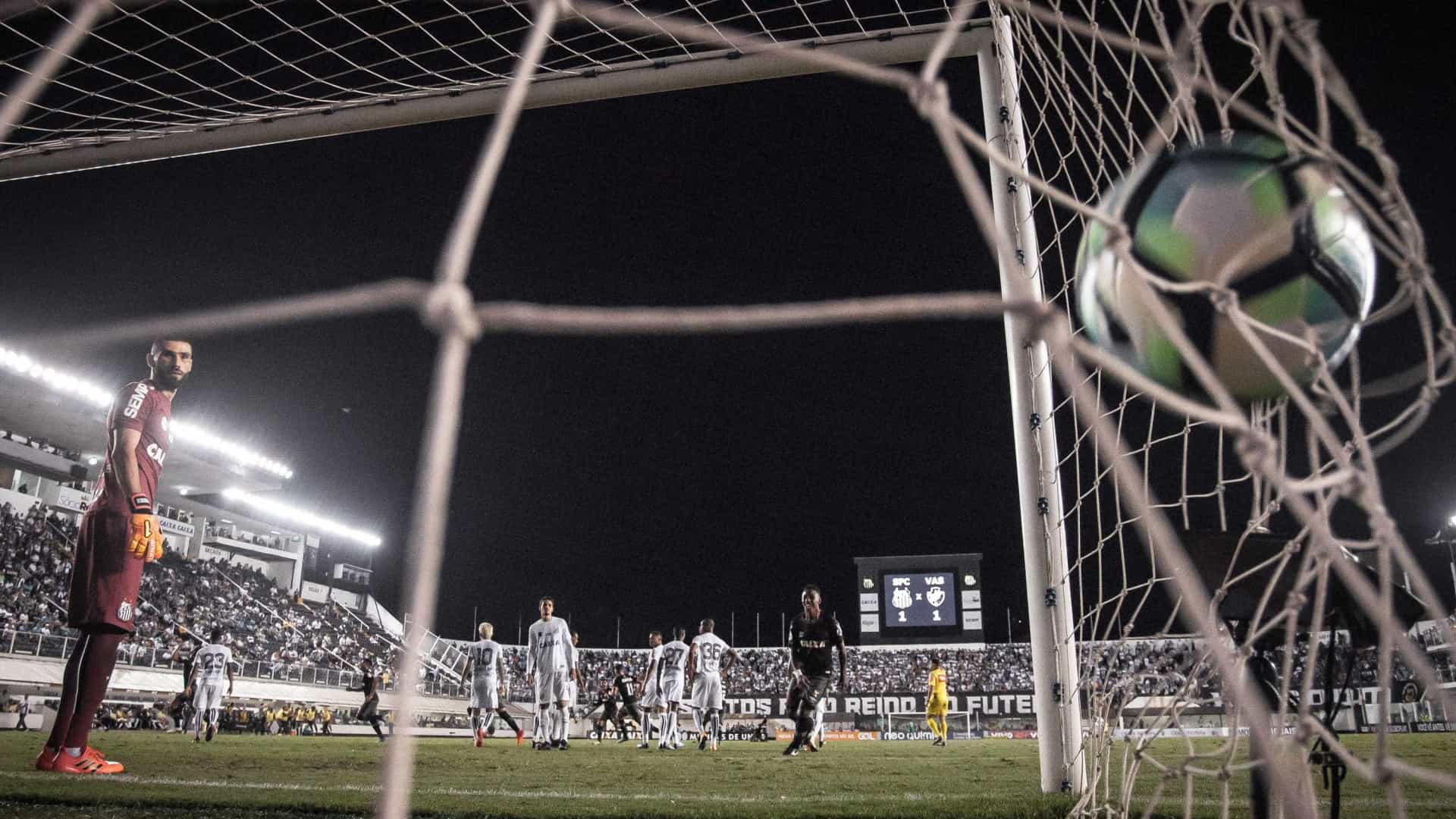 Estádio da Vila Belmiro é interditado por falta de laudo