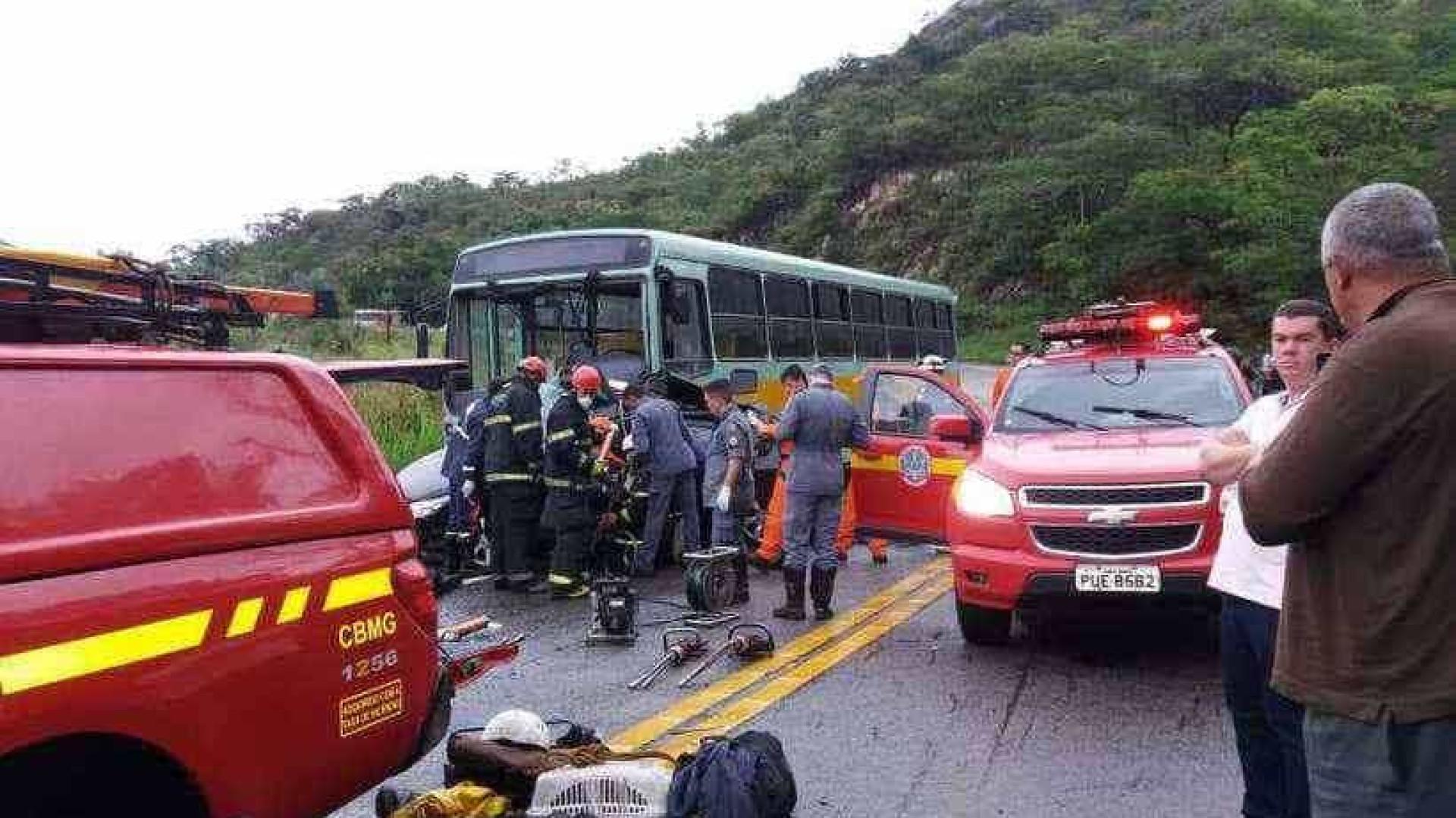 Manhã chuvosa deixa 6 mortos em acidentes na BR-381, em MG