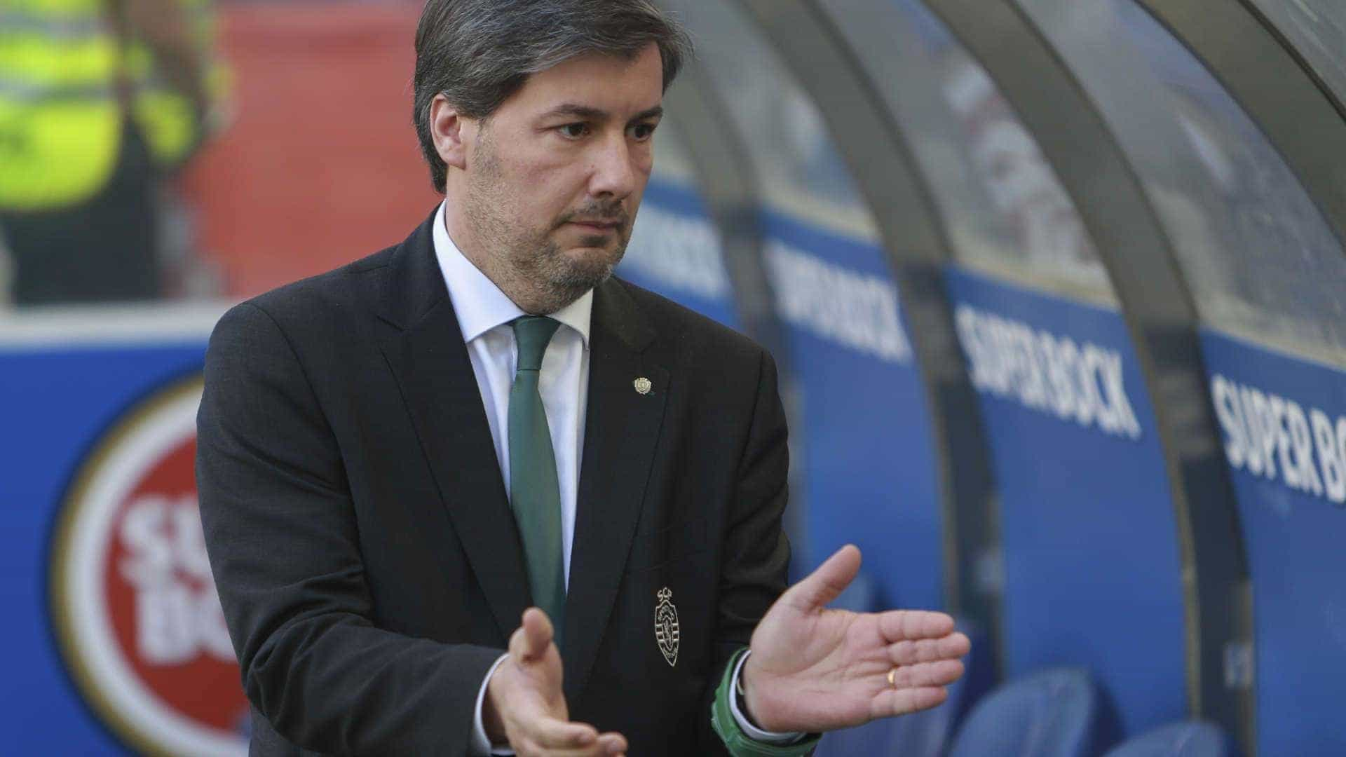 Suspeito de mandar agredir jogadores, ex-presidente do Sporting é preso