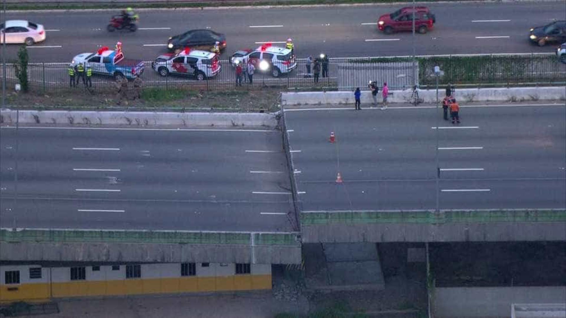 Viaduto tem risco de colapso, e trânsito entra em esquema de emergência