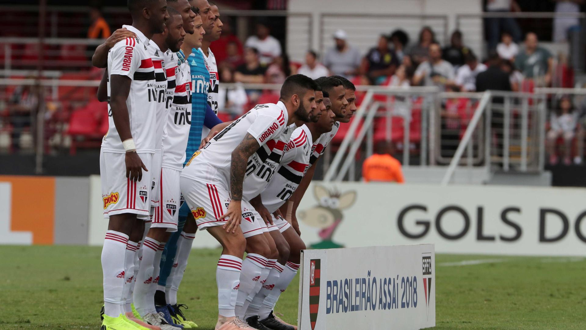 São Paulo joga bem no primeiro tempo, mas reservas tomam virada do Ajax