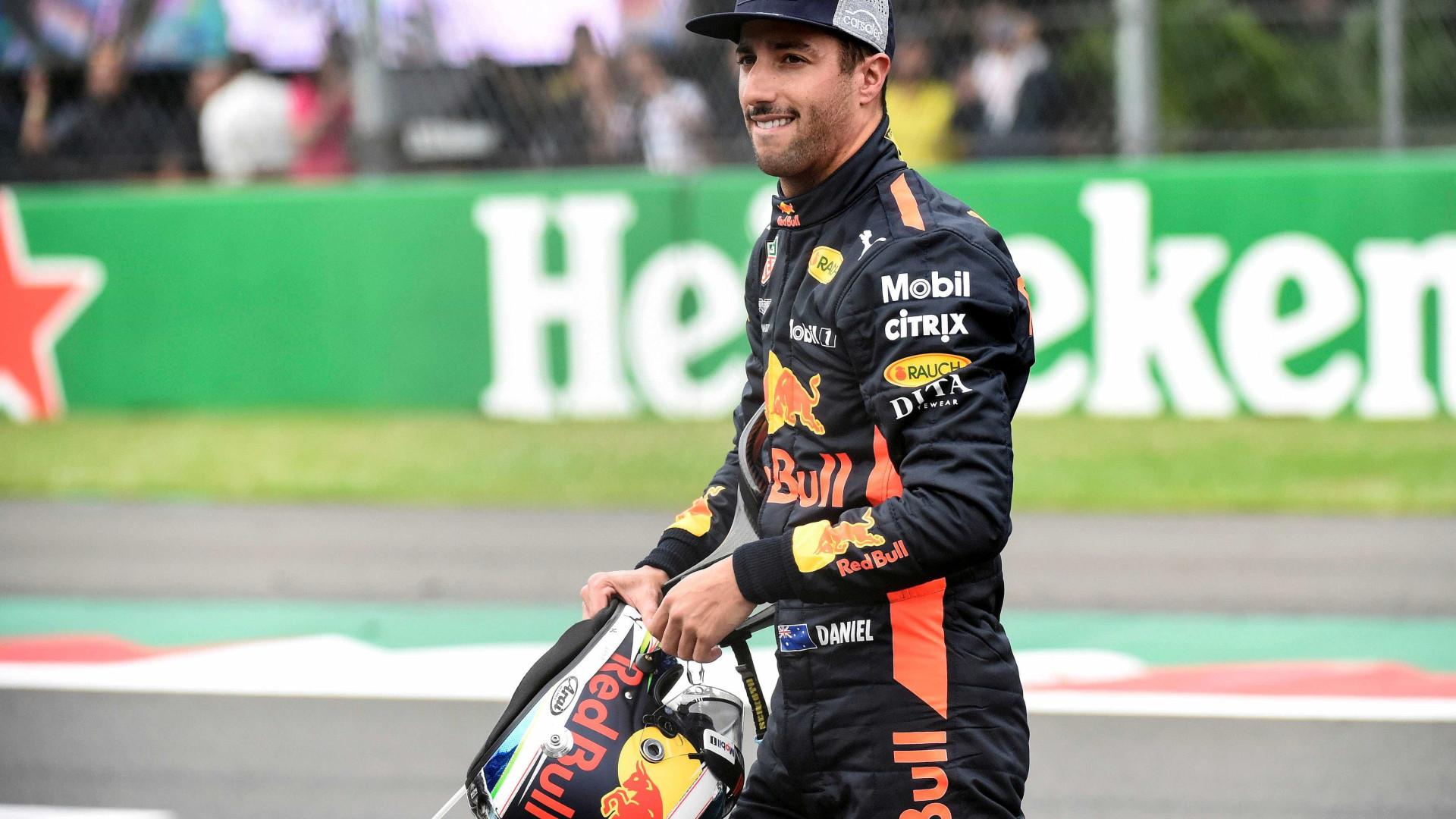Ricciardo nega pedida salarial alta e diz que alguém o vetou na Ferrari