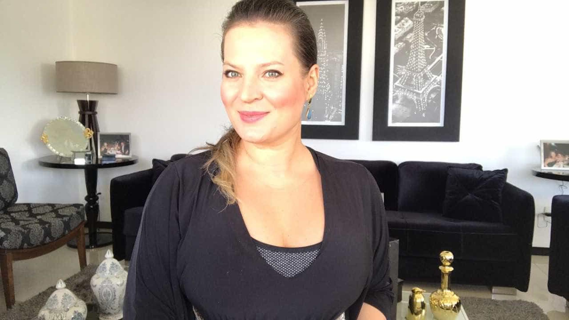 Após bate-boca, Joice Hasselmann pede desculpas em grupo de WhatsApp