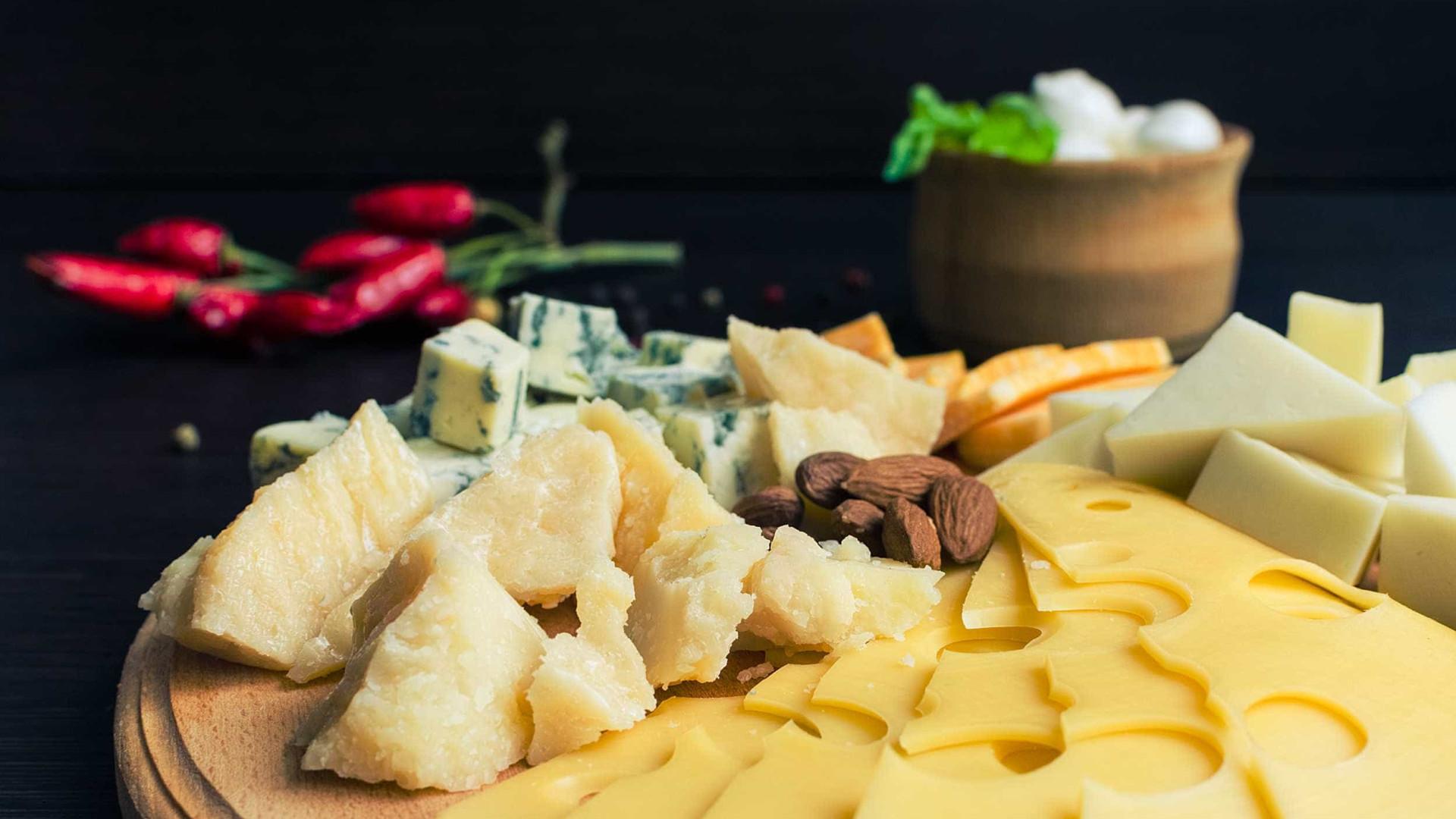 Confira 6 dicas para fazer tábua de queijos para a ceia de Natal