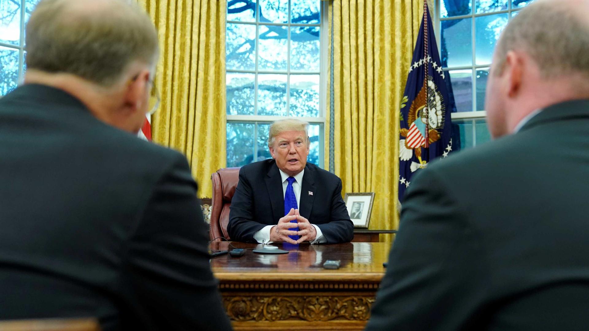 Trump faz acordo para dissolver fundação de caridade em meio a processo