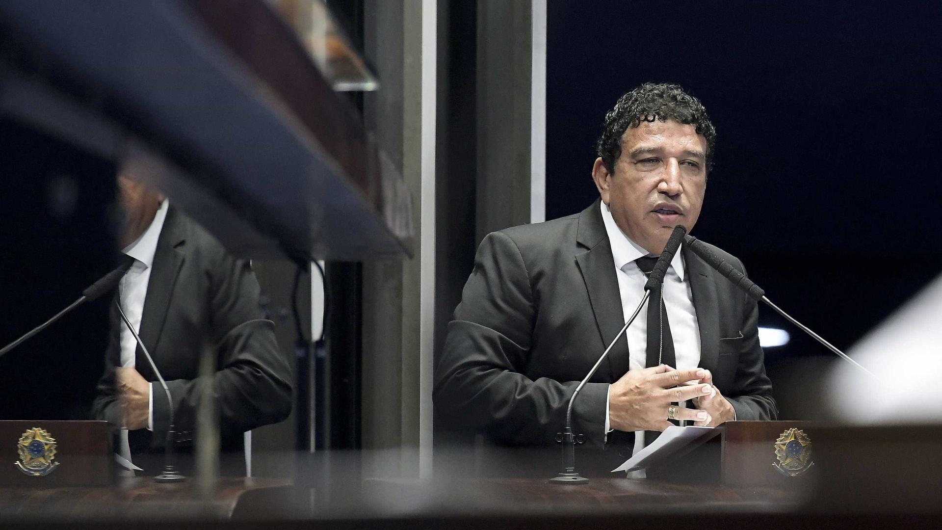 Magno Malta reitera apoio e diz que imprensa terá que engolir Bolsonaro