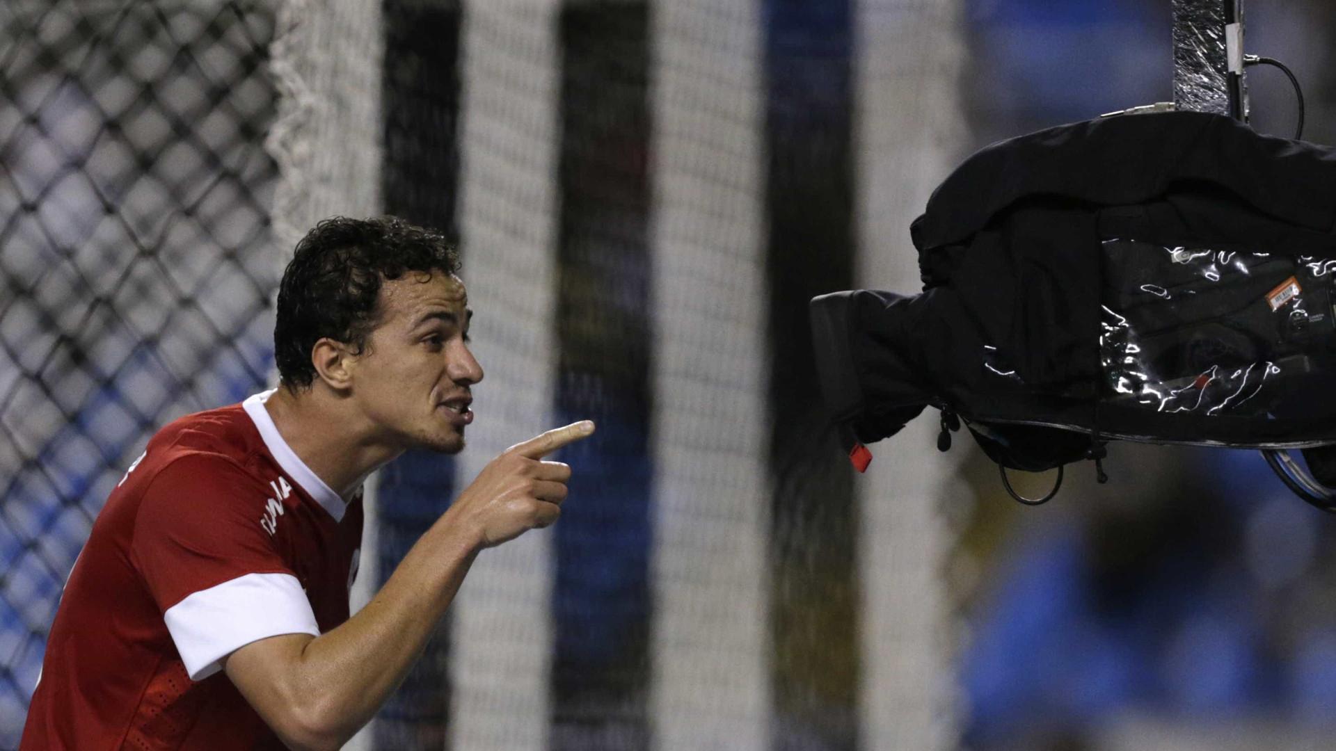 Leandro Damião é anunciado por time do Japão após sair do Inter