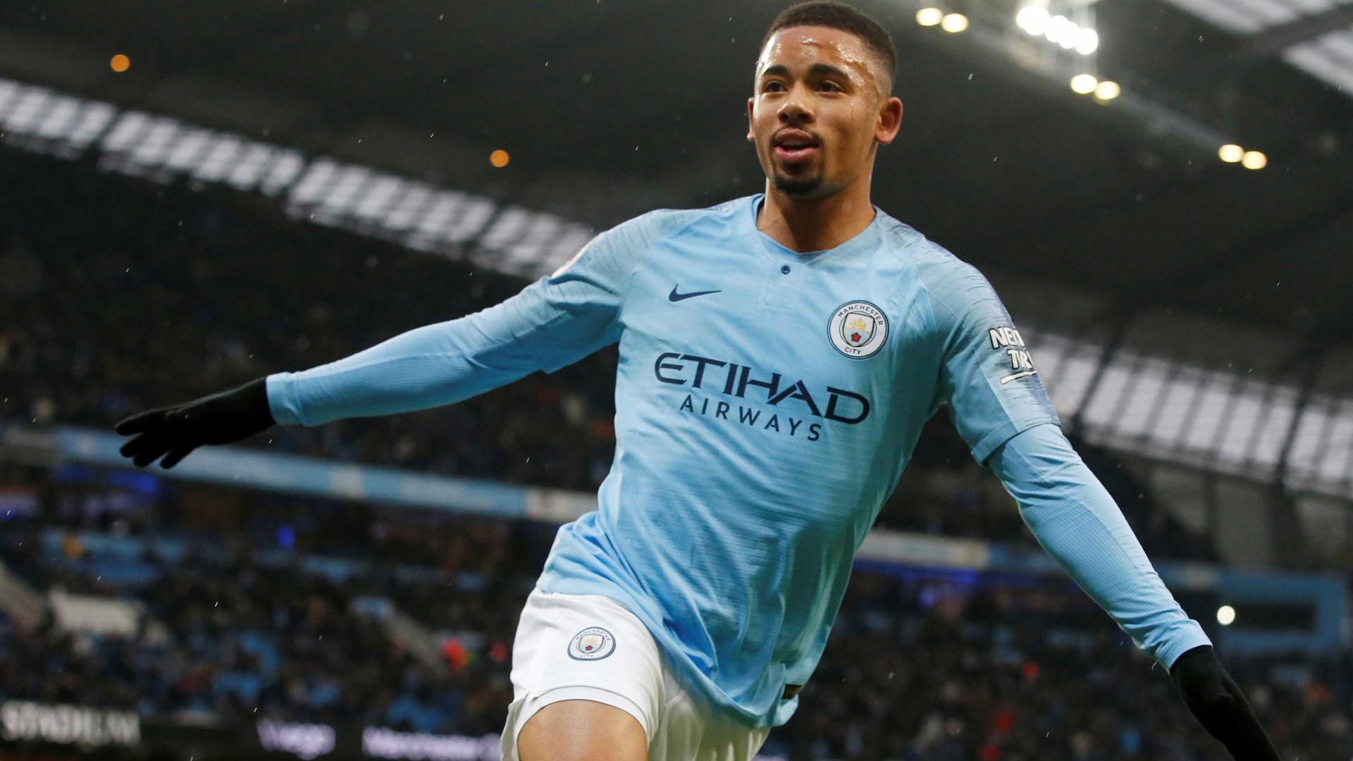 Gabriel Jesus marca dois gols em vitória do Man. City contra o Everton