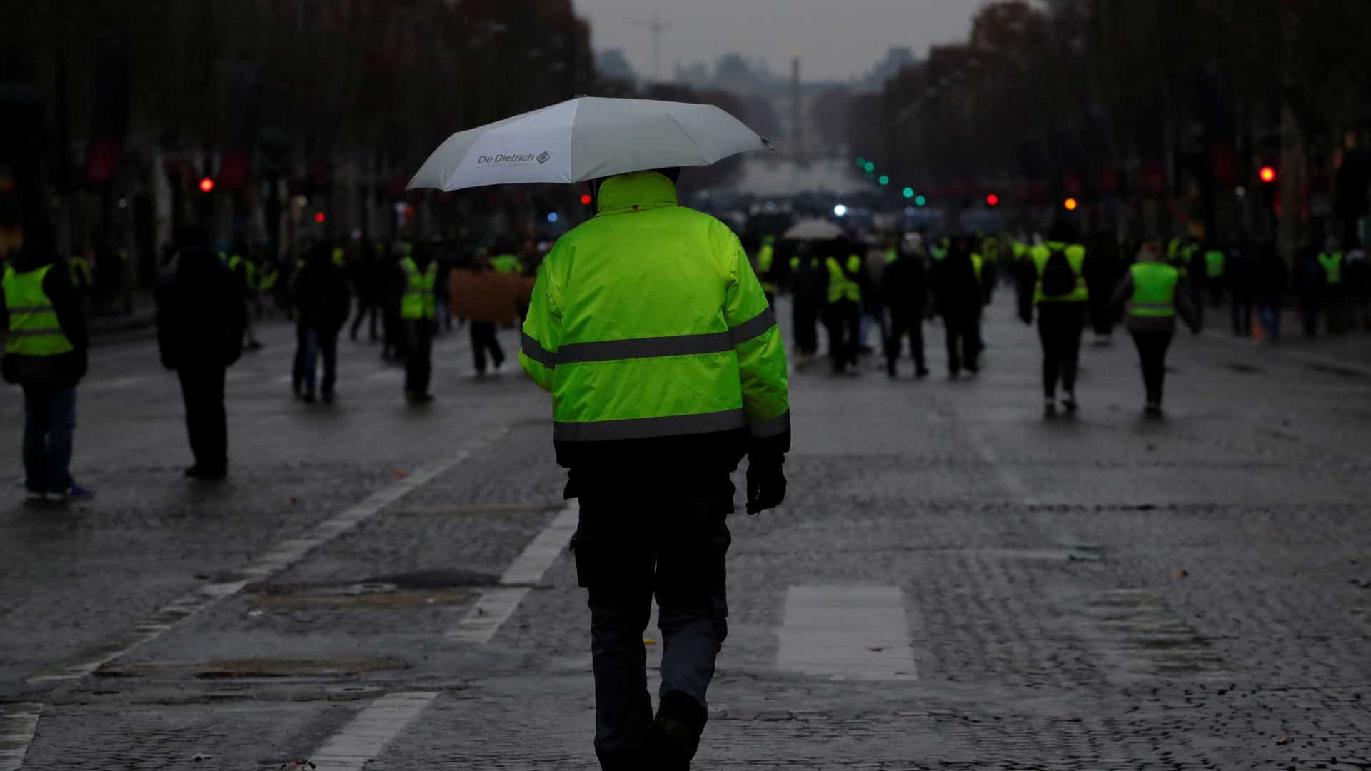 Menos coletes amarelos é prenúncio do fim do protesto, diz governo