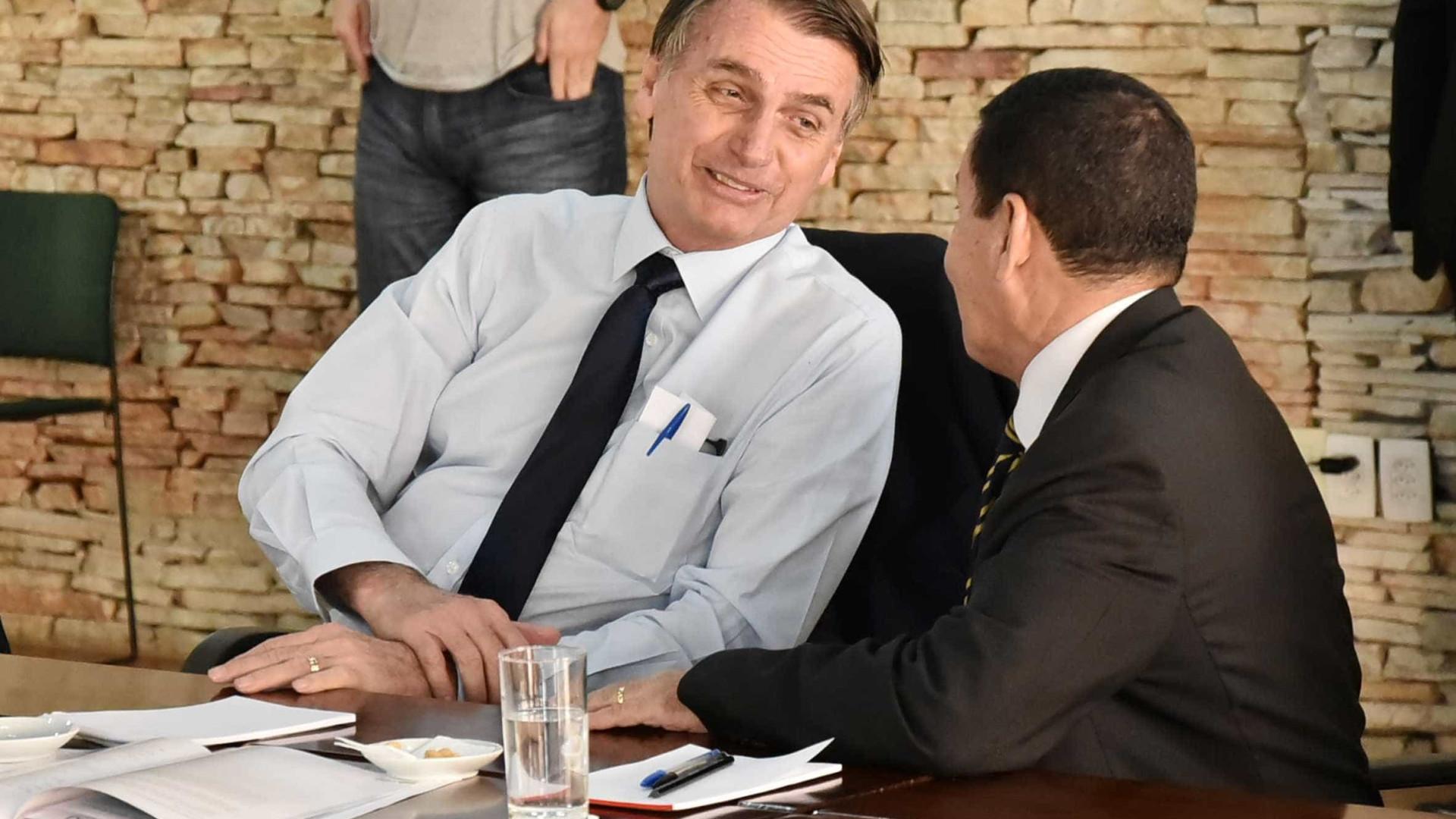 Bolsonaro deixa Mourão sem funções no governo