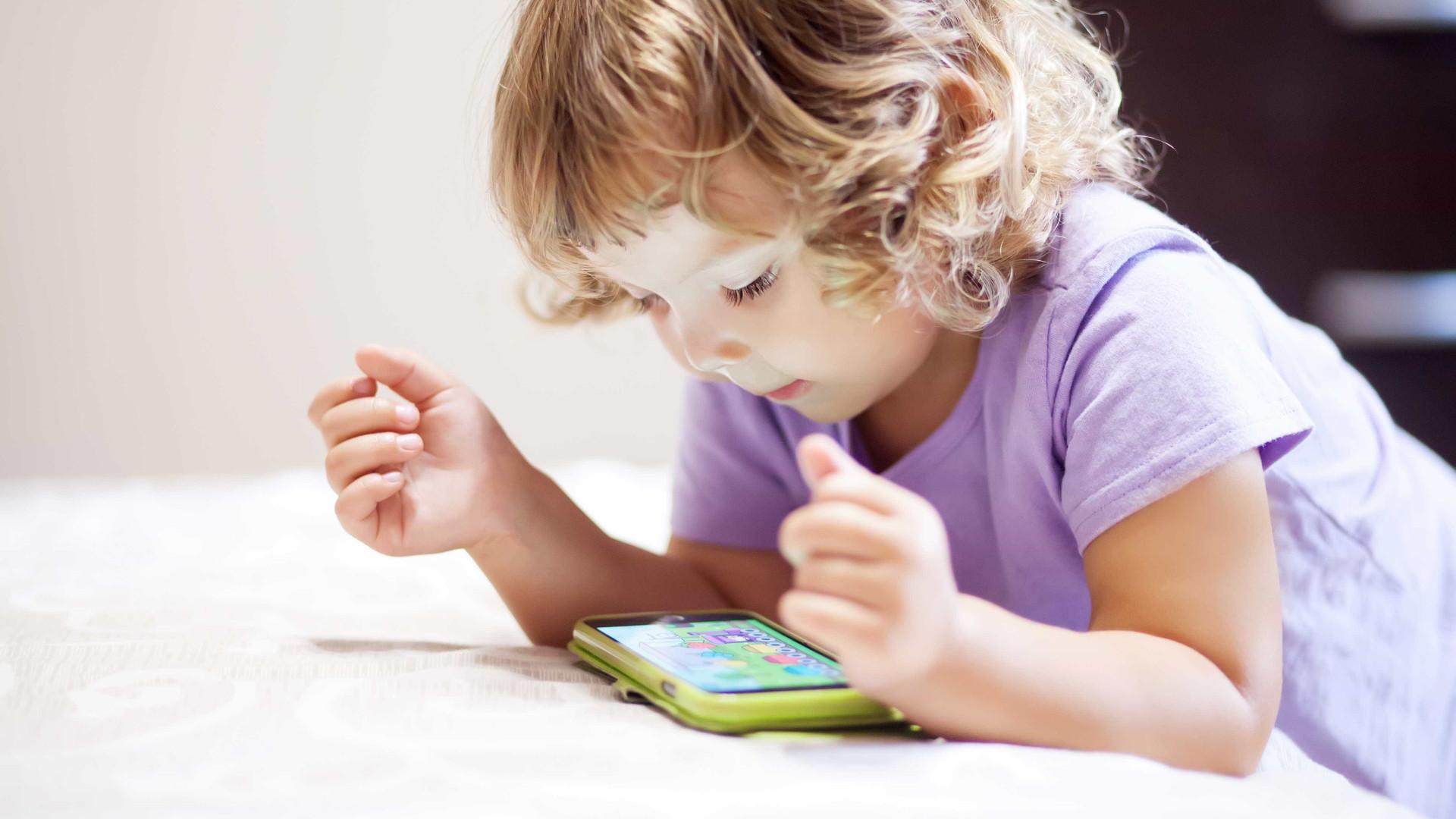 Brasileiros estão preocupados com privacidade dos dados dos filhos