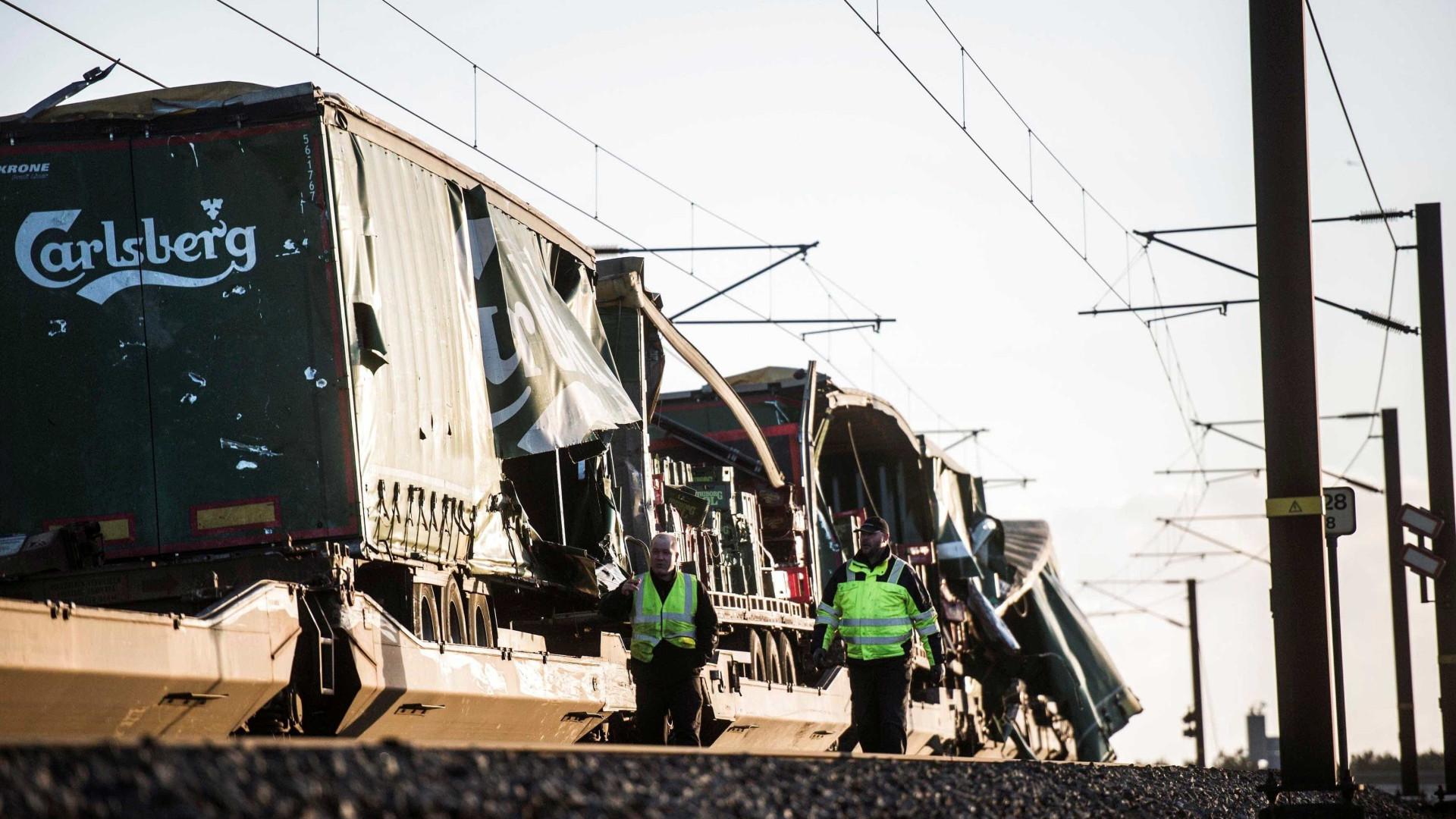 Acidente de trem em ponte da Dinamarca deixa pelo menos seis mortos
