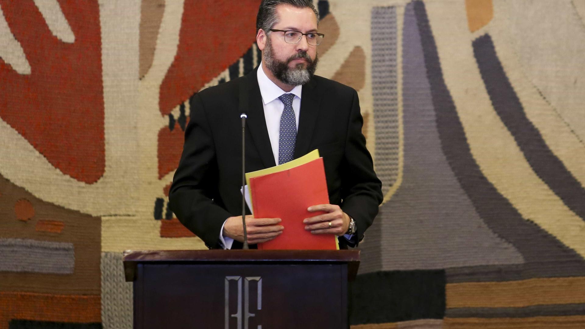 Governo avisa a diplomatas sobre saída do Brasil de pacto da ONU