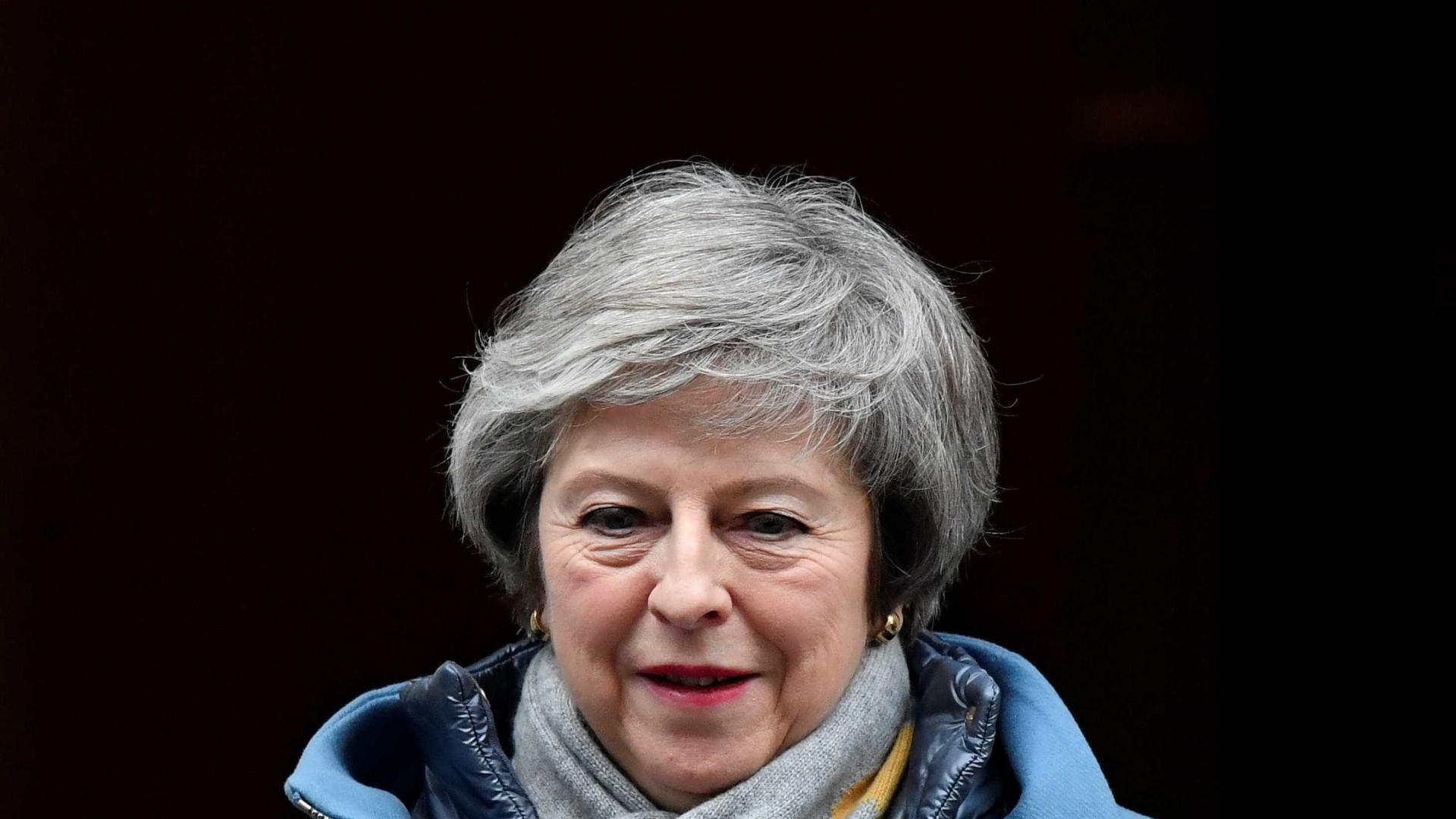 Governo May terá só 3 dias para propor plano B do 'brexit'