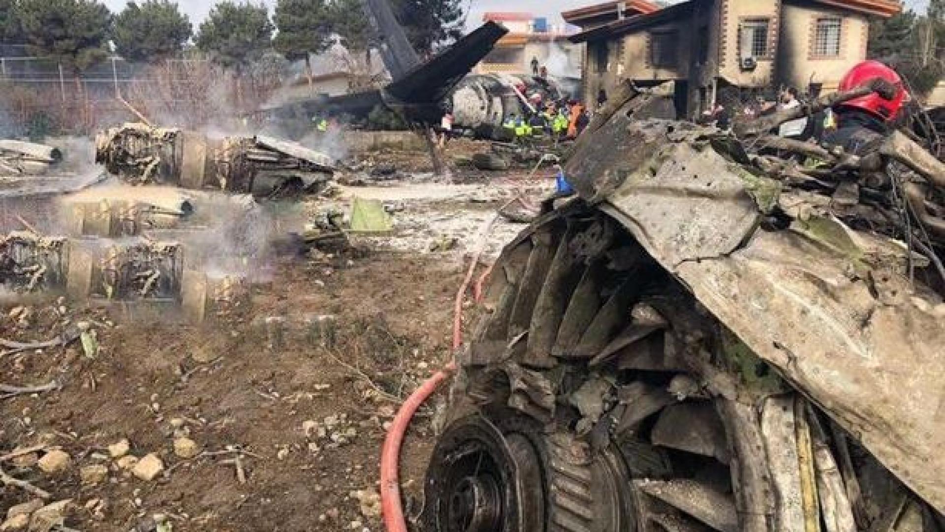 Avião cai no Irã e deixa 15 mortos; há sobrevivente