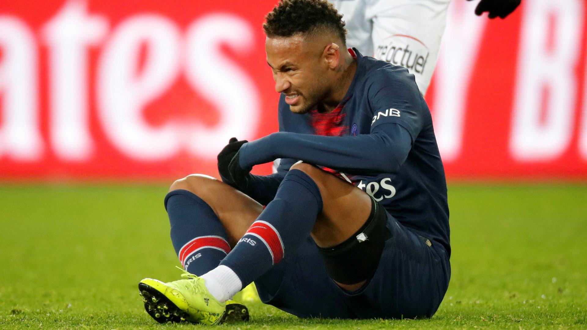 Com a camisa do PSG, Neymar perdeu mais jogos que em 4 anos no Barça