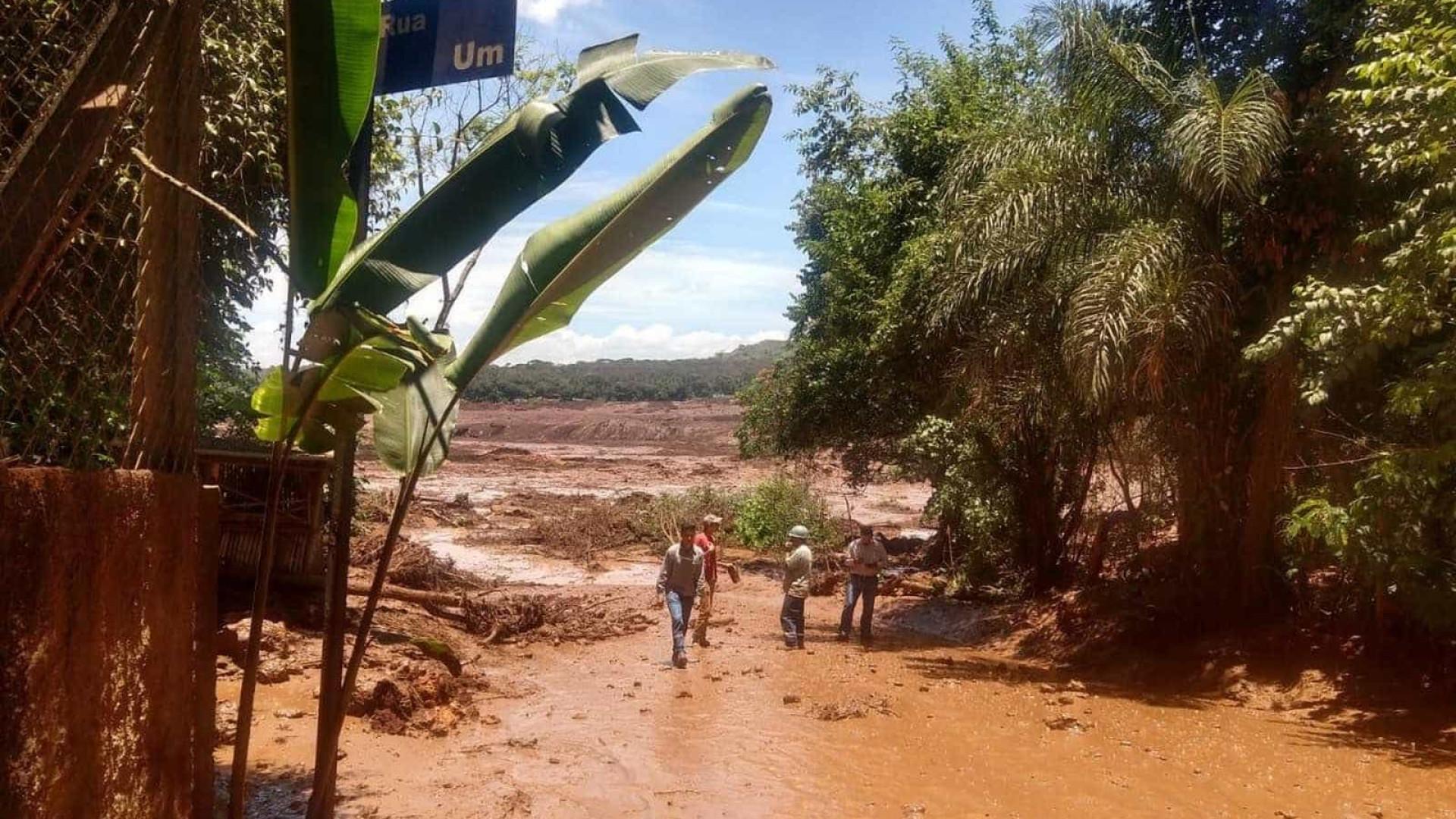 Barragem da Vale se rompe em MG; feridos são resgatados