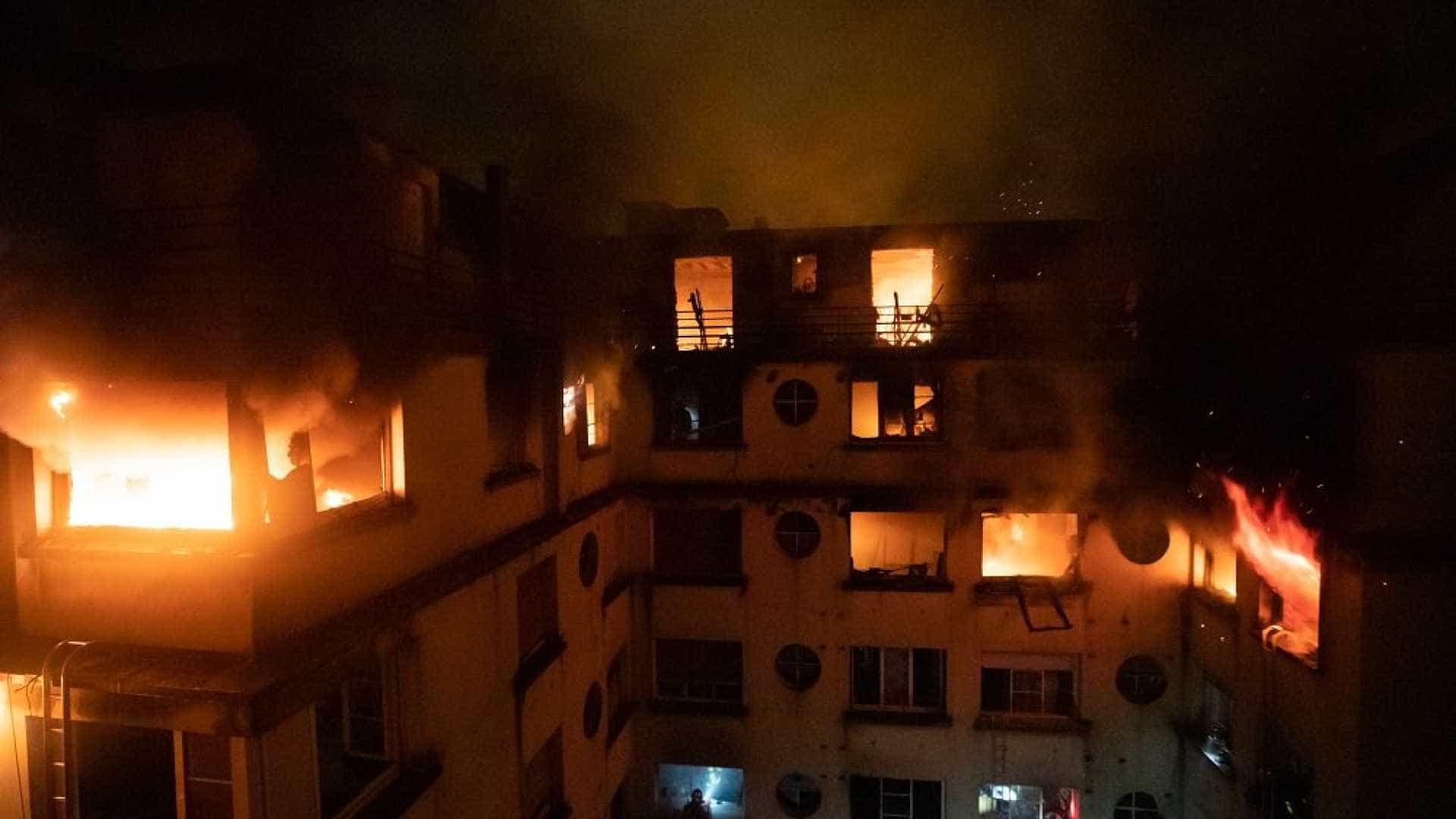 Incêndio em prédio de Paris deixa ao menos 9 mortos e 37 feridos