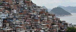 Ao menos três pessoas morrem  em tiroteios em favelas