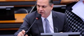 Ministro diz que saúde indígena 'é muita  despesa e pouco resultado'
