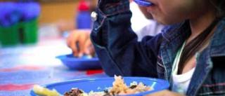 330 kg de salsicha de merenda escolar  vencida são apreendidos em SP