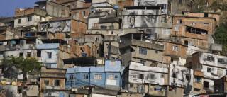 Troca de tiros no Morro da Coroa interrompem  tráfego no Rio