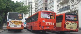 Motorista é baleado na mão enquanto dirigia ônibus no Rio