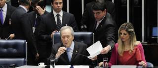Lewandowski reabre sessão de  julgamento Dilma Rousseff